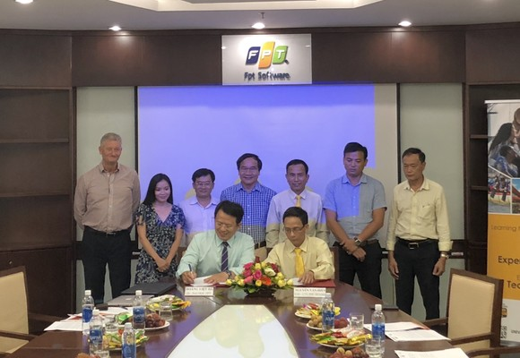 Đà Nẵng: FPT dạy tiếng Anh giao tiếp cho lái xe taxi Tiên Sa  ảnh 2
