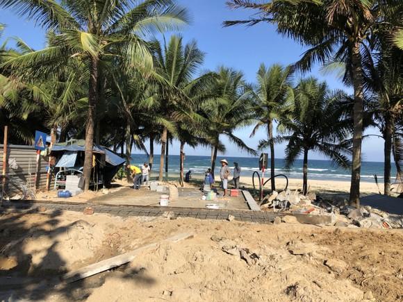 Bí thư Thành ủy Đà Nẵng kiểm tra đột xuất công trình mở lối xuống biển ảnh 6
