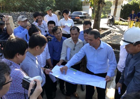 Bí thư Thành ủy Đà Nẵng kiểm tra đột xuất công trình mở lối xuống biển ảnh 7