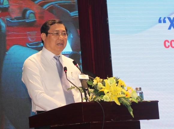 Ông Huỳnh Đức Thơ, chủ ịch UBND TP Đà Nẵng bày tỏ sự ủng hộ, biết ơn đối với những đóng góp các địa phương về vấn đề xây dựng thành phố môi trường