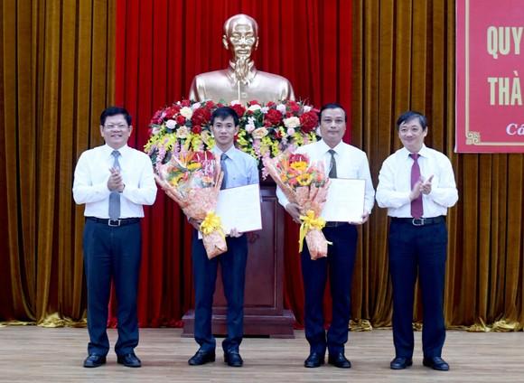 Đà Nẵng công bố quyết định về công tác cán bộ ở Hòa Vang và Cẩm Lệ