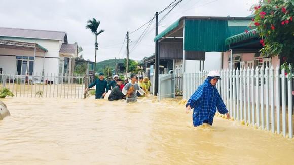 Mưa lũ làm hơn 1.350 căn nhà ở Lâm Đồng bị ngập ảnh 1
