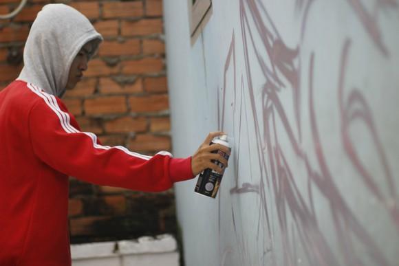 Khi người trẻ... đói sân chơi Graffiti ảnh 3