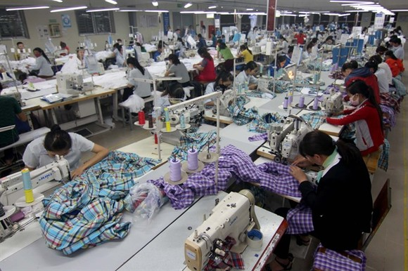 The Ministry of Finance has held a meeting to introduce changes in the list of Việt Nam's export and import goods as per Circular No 65/2017 / TT-BTC. (Photo: VNA/VNS)