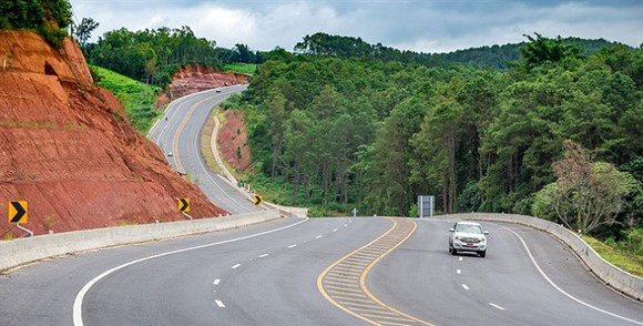 The economic corridors of the Greater Mekong Subregion (GMS) are not just roads or highways, but they encompass a variety of economic activities that run parallel to main transport routes. GMS countries should strengthen infrastructure connectivity within