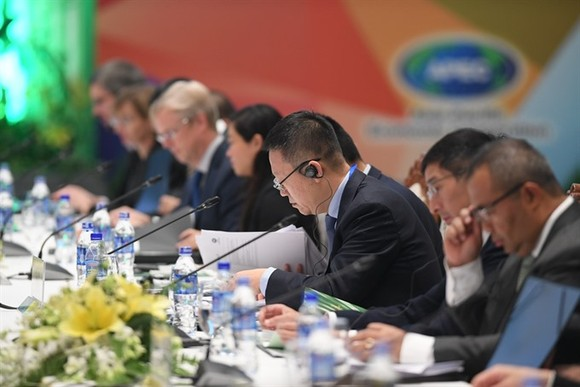 Delegates at the APEC Finance and Bank Deputies' Meeting that opened on Friday in Hoi An City.(Photo: VNS)