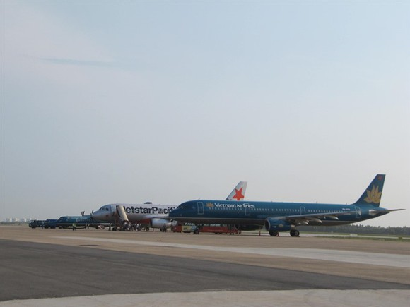 Air planes of the National Vietnam Airlines land at Da Nang International Airport, Da Nang City. (Photo: VNS)