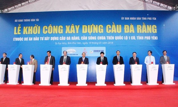 Prime Minister Nguyen Xuan Phuc attends the ground breaking ceremony of Da Rang bridge, one of the longest bridges in the central region of Vietnam