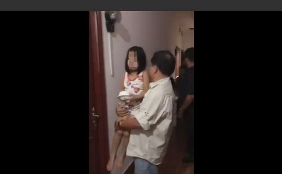 HCMC Police arrests American citizen for kidnapping two girls
