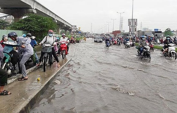 HCMC should review plan to cope with severe flooding