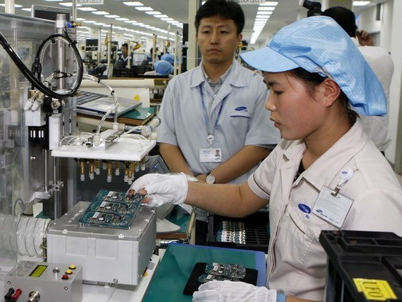A Samsung's mobile phone production line in Bac Ninh (Source: VNA)