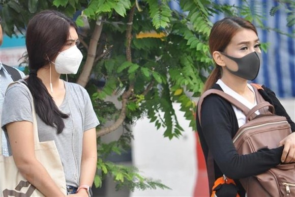 People in Bangkok wear masks to avoid smog on January 14, 2019 (Photo: Xinhua/VNA)