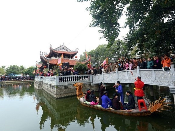 A Quan Ho performance on boat (Source: VNA)