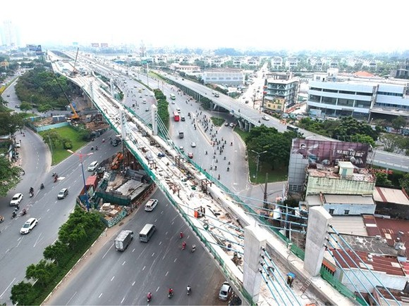 The construction site of the first metro line in Binh Thanh district, HCMC (Photo: SGGP)