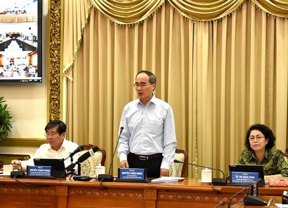 HCMC Party Leader Nguyen Thien Nhan makes a statement at the conference on administrative reform on July 18 (Photo: SGGP)