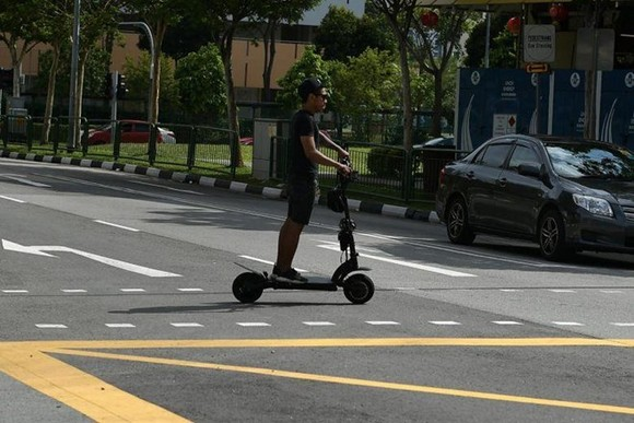 All e-scooters, both new and currently registered, will have to go through a mandatory inspection from April next year. (Photo: straitstimes.com)
