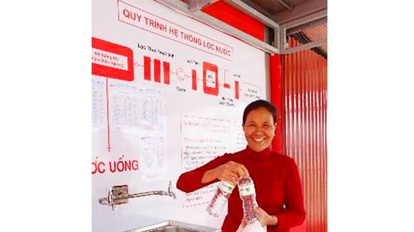 Mỗi EKOCENTER có thể cung cấp 1,5 triệu lít nước sạch/năm cho người dân địa phương