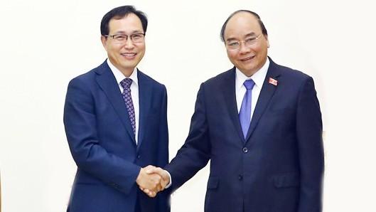 Thủ tướng Nguyễn Xuân Phúc tiếp ông Choi Joo-ho, Tổng giám đốc Tổ hợp Samsung Việt Nam. Ảnh: TTXVN