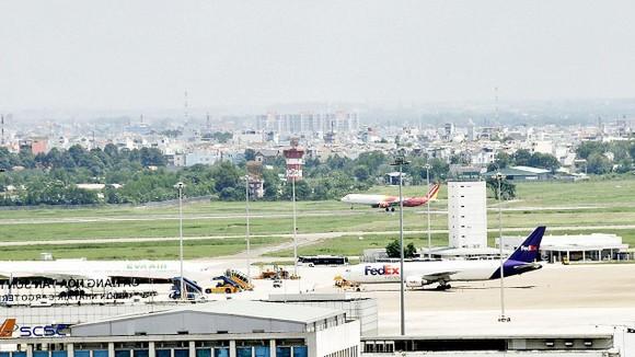 Mở rộng sân bay Tân Sơn Nhất là nhu cầu rất cấp bách. Ảnh: CAO THĂNG