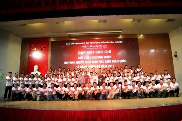 100 người hiến máu tình nguyện tiêu biểu ở Việt Nam được tôn vinh