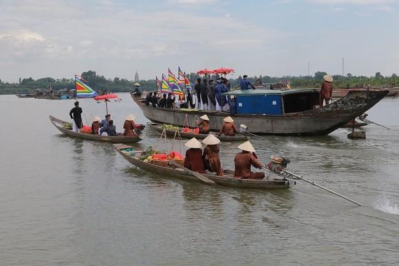 Độc đáo lễ hội Thanh Trà – hương vị xứ Huế ảnh 6