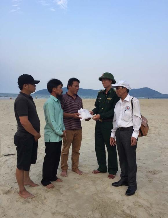 Người xa lạ góp tiền lo hậu sự cho nạn nhân cứu 2 sinh viên đuối nước ảnh 2