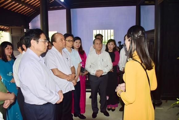 Thủ tướng Nguyễn Xuân Phúc thăm ngôi nhà Bác Hồ tại Huế ảnh 1