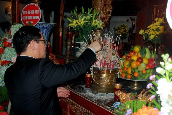 Phó Thủ tướng Vương Đình Huệ dâng hương tưởng niệm Uy Viễn tướng công Nguyễn Công Trứ ảnh 2