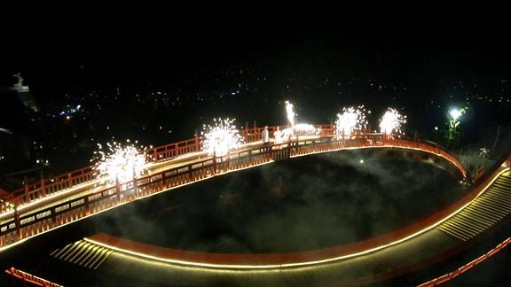 Giới trẻ đua nhau check-in Cầu Koi Hạ Long ảnh 5