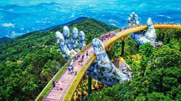 Cầu Vàng – công trình kiến trúc độc đáo trên đỉnh Bà Nà