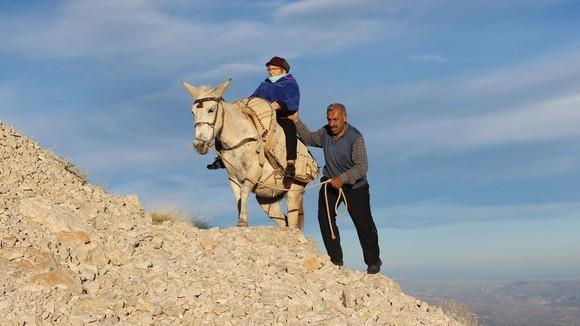 Đến núi Nemrut nghe chuyện Đông - Tây ảnh 1