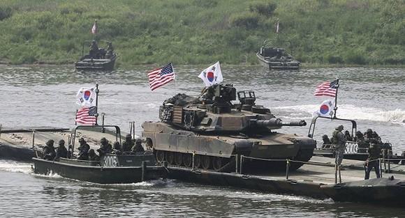 Cuộc tập trận chung giữa hai nước dự kiến diễn ra trong tháng 8 tới. Ảnh: AP