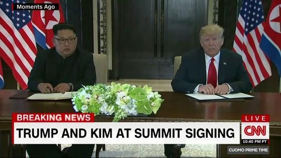 """Lãnh đạo Mỹ - Triều Tiên đã ký văn kiện """"rất quan trọng và toàn diện"""" ảnh 1"""