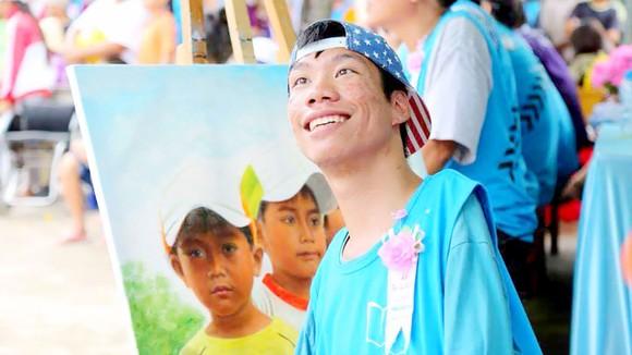 Lê Minh Châu là nguồn cảm hứng cho một số người trẻ nước ngoài nhưng chẳng mấy bạn trẻ trong nước biết đến anh