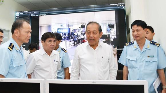Phó Thủ tướng Thường trực kiểm tra công tác cải cách hành chính tại TPHCM ảnh 3