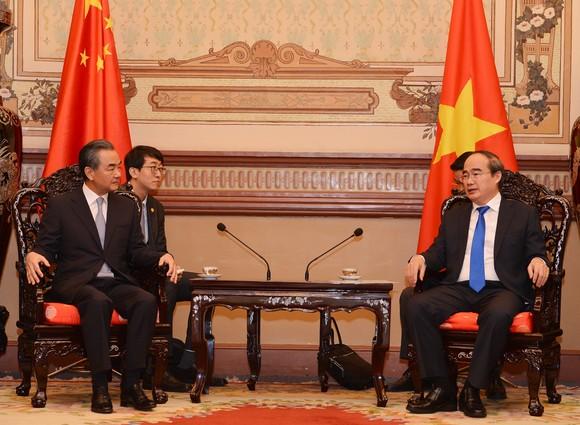 Lãnh đạo TPHCM tiếp Bộ trưởng Bộ Ngoại giao Trung Quốc ảnh 1