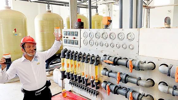 Bên trong nhà máy xử lý nước thải dùng công nghệ RO của Công ty AB Mauri Việt Nam. Ảnh: T.BA