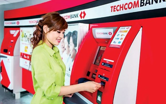 The solution to attract more demand deposit at Techcombank is by promoting   debit cards and by cutting down several fees related to such accounts.