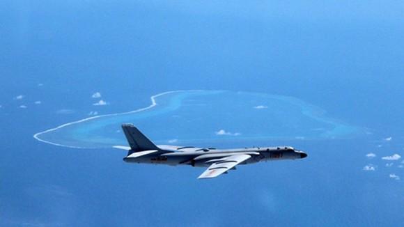 Máy bay ném bom chiến lược H-6K của Trung Quốc. Ảnh: Reuters