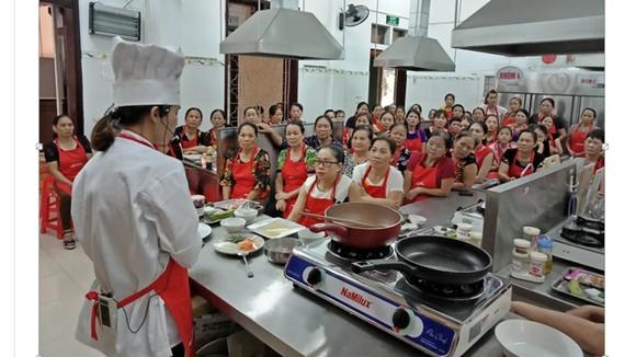 Gìn giữ văn hóa bữa cơm gia đình Việt ảnh 2