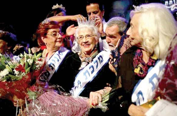 Hoa hậu 93 tuổi
