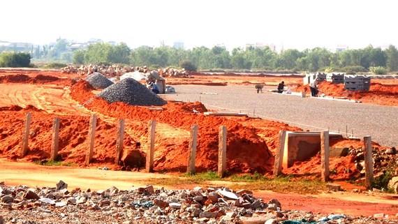 Khu dân cư nông thôn Hàm Thắng - Hàm Liêm giai đoạn 2 của Công ty Nguyên Bình chưa có giấy phép xây dựng nhưng đã ồ ạt thi công hạ tầng, công khai rao bán đất nền