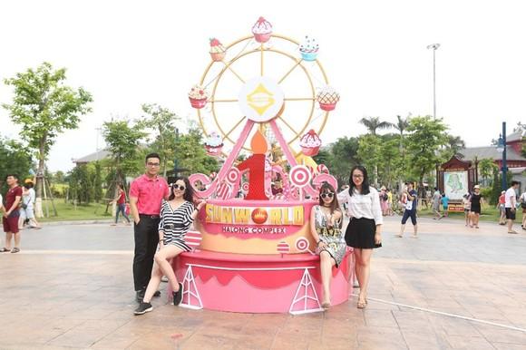 Lộ diện chủ nhân trúng iPhone 7plus đỏ dịp Sinh nhật Sun World Halong Complex ảnh 4
