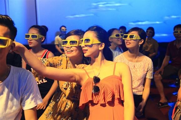 Lộ diện chủ nhân trúng iPhone 7plus đỏ dịp Sinh nhật Sun World Halong Complex ảnh 6