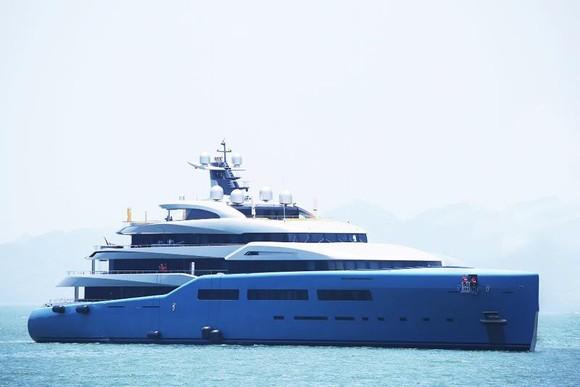 Siêu du thuyền 150 triệu USD của ông chủ CLB Tottenham tại vịnh Hạ Long ảnh 4