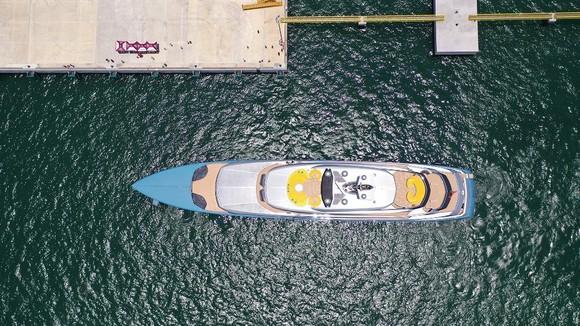 Siêu du thuyền 150 triệu USD của ông chủ CLB Tottenham tại vịnh Hạ Long ảnh 2