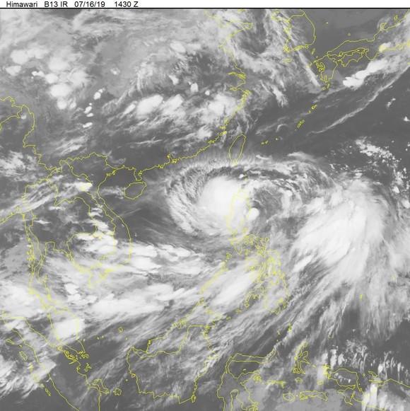 Chủ động ứng phó với bão Danas gần biển Đông ảnh 1