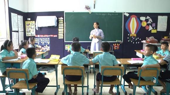 Giờ học của trẻ ở Trung tâm Khuyết tật Hừng Đông