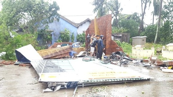 Houses are collasped after storm no.12 in Khanh Hoa