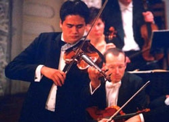 Violinist Bui Cong Duy to perform in HCMC